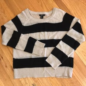 3/$22 H&M Black & Tan Stripe Crew Sweater Sz M